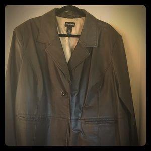 Women's 3x leather type coat $55